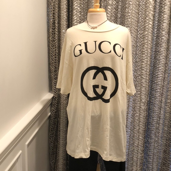 128167252 Gucci Tops | Gg Logo Oversized Tee | Poshmark